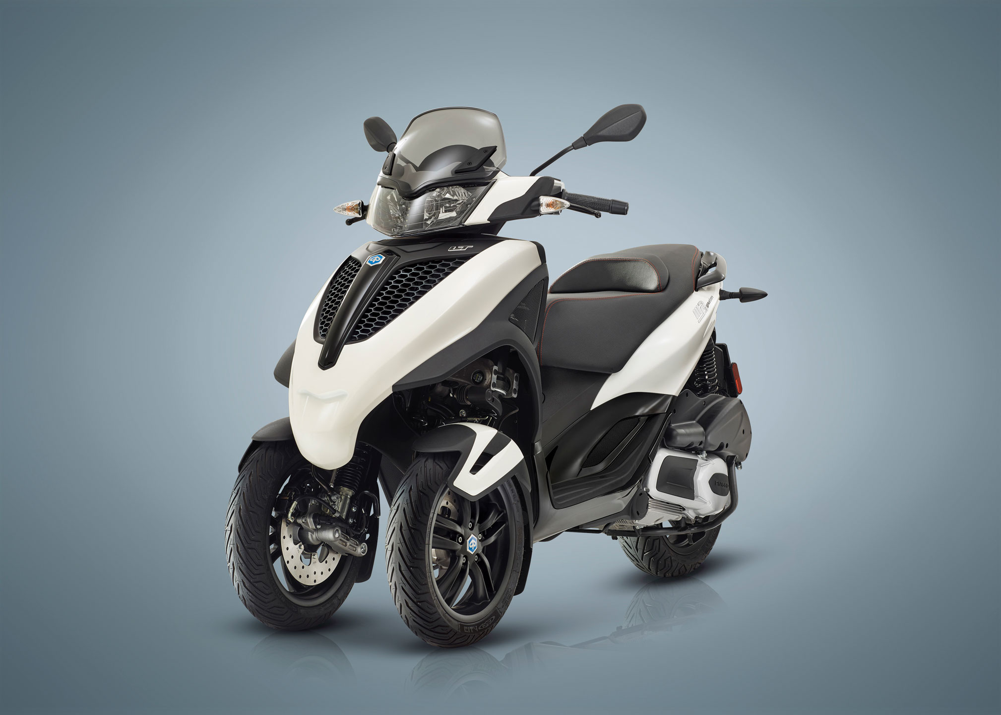 offre piaggio 500 d 39 avantage sur yourban 300 moto. Black Bedroom Furniture Sets. Home Design Ideas