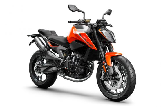 209324_KTM 790 DUKE right front MY 2018