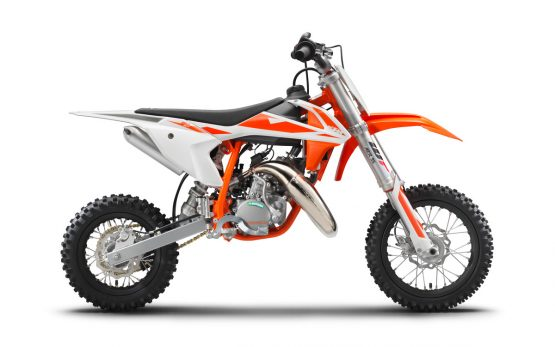 221915_KTM 50 SX 90 degree right studio MY 2019
