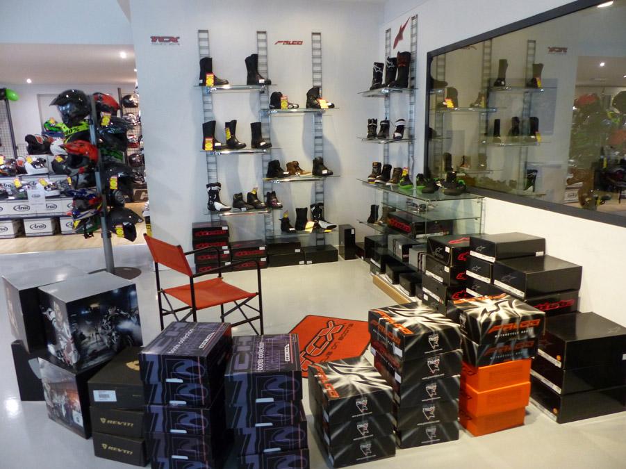 bottes chaussures moto motard angers magasin bottes motos. Black Bedroom Furniture Sets. Home Design Ideas